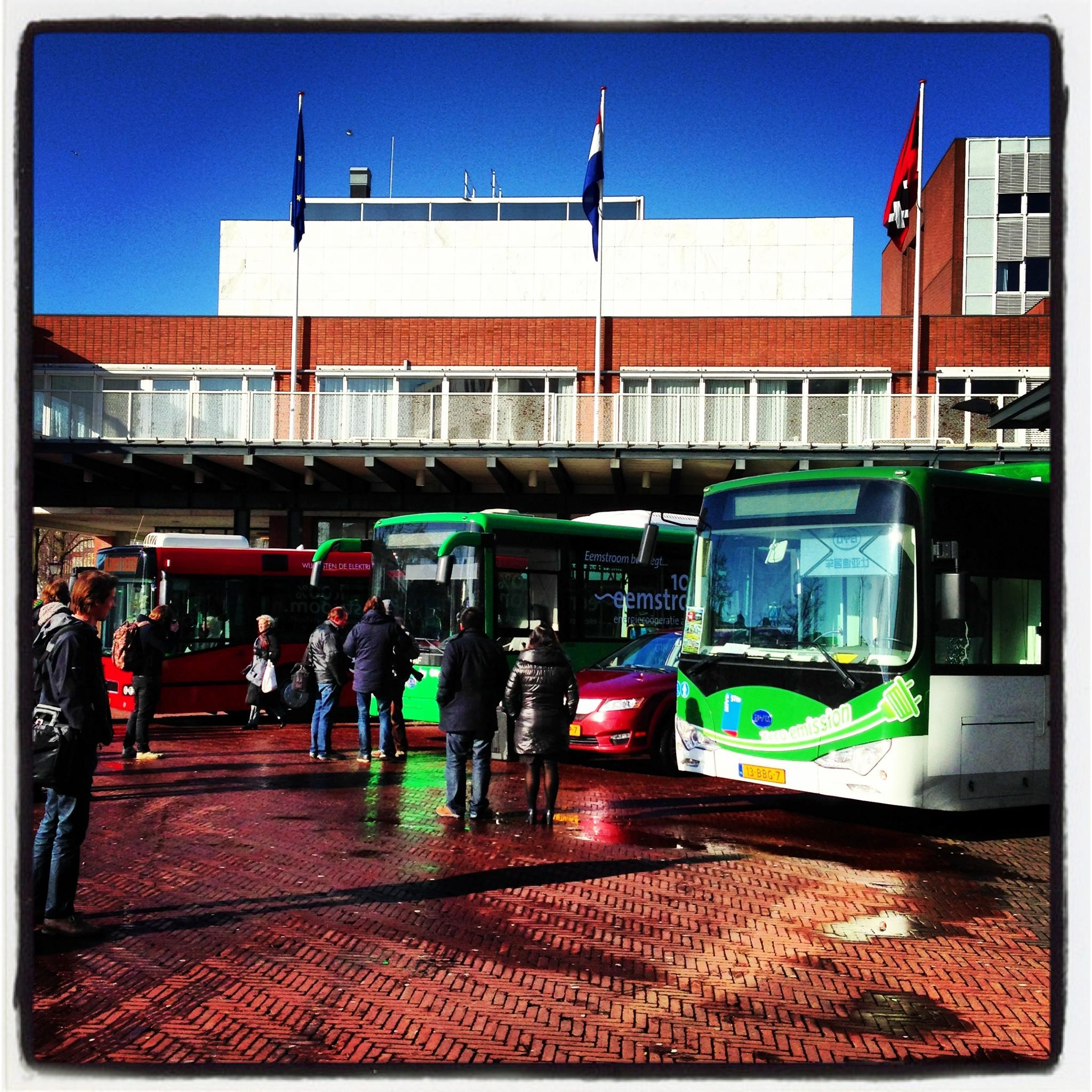 E-bussen voor de Stopera